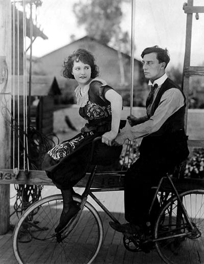 Donna-in-Bicicletta-Vintage